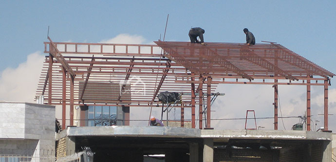 سقف شیبدار فلزی