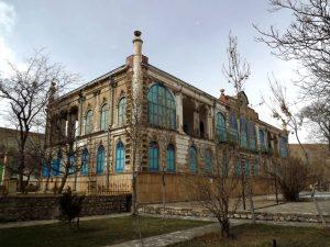 پاورپوینت تحلیل کاخ سردار ماکو