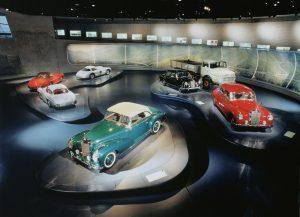 پاورپوینت تحلیل موزه مرسدس بنز اشتوتگارت آلمان
