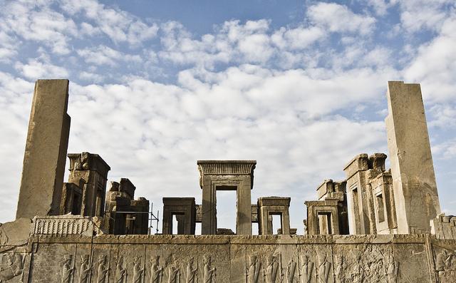 پاورپوینت معماری دوره هخامنشیان