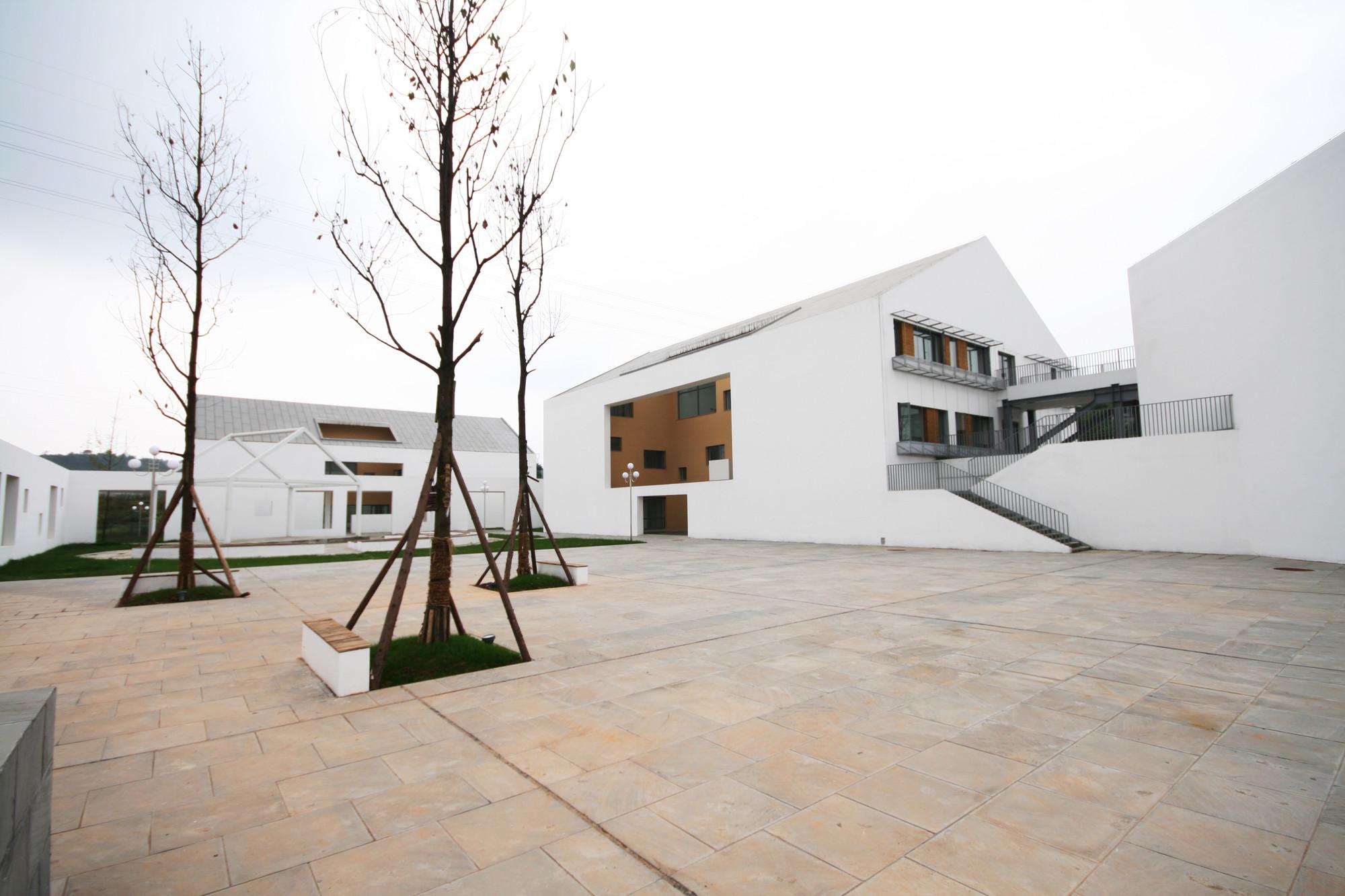 رساله معماری دبیرستان معلولان