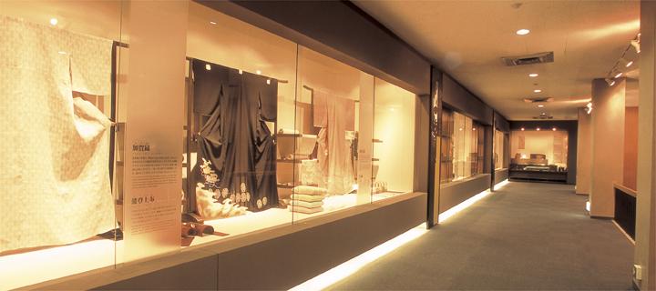 مطالعات کامل موزه صنایع دستی
