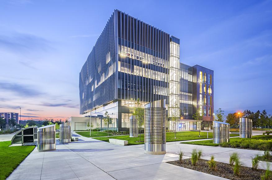 کاملترین رساله ارشد استراتژی طراحی مدارس ابتدایی با رویکرد معماری پایدار