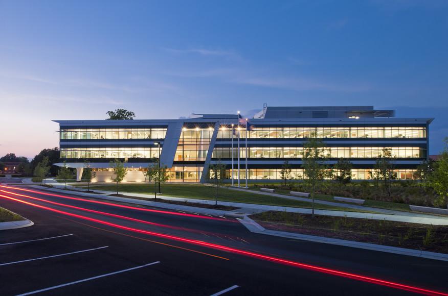 مرکز تحقیقات مواد پیشرفته با رویکرد سیستم های هوشمند