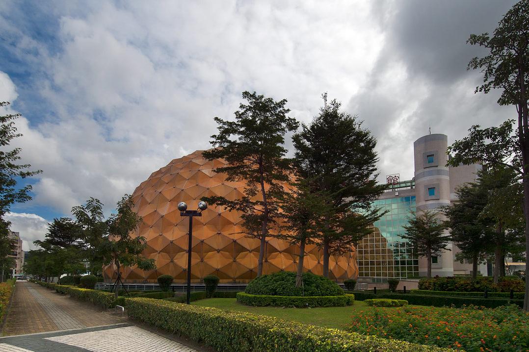 مطالعات ارشد طراحی موزه نجوم با رویکرد هویت بخشی