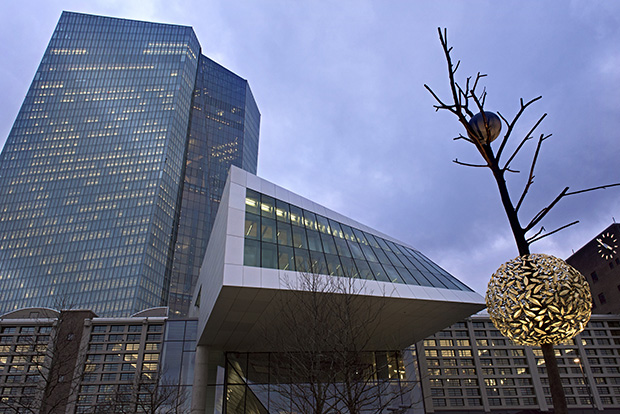 پاورپوینت متراژ فضا های بانک کامل