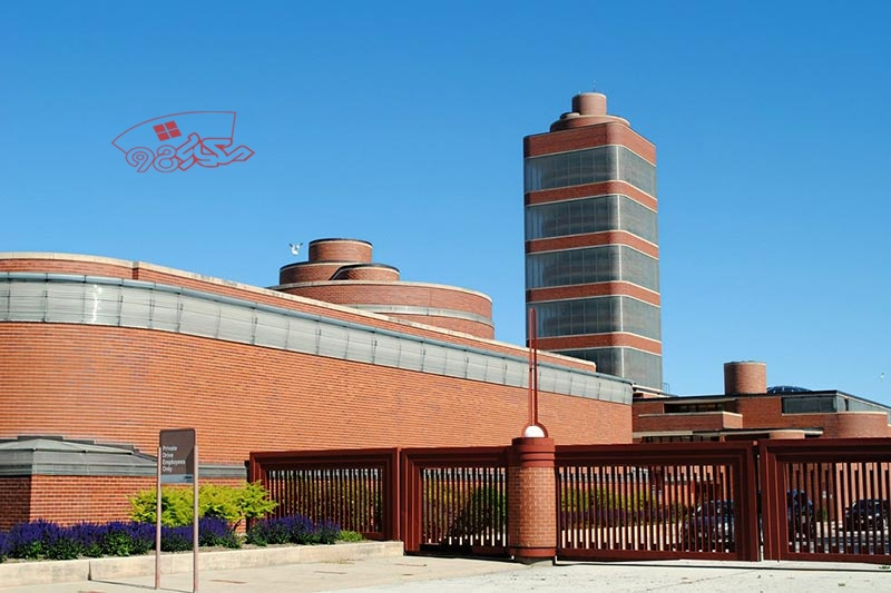 پاورپوینت معماری کارخانه واکس جانسون اثر لوید رایت